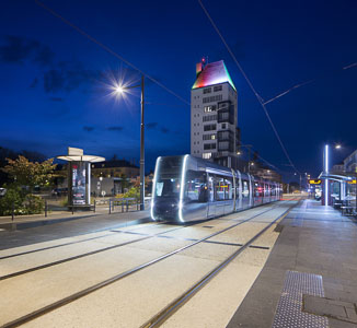 Éclairage du tramway à Tours
