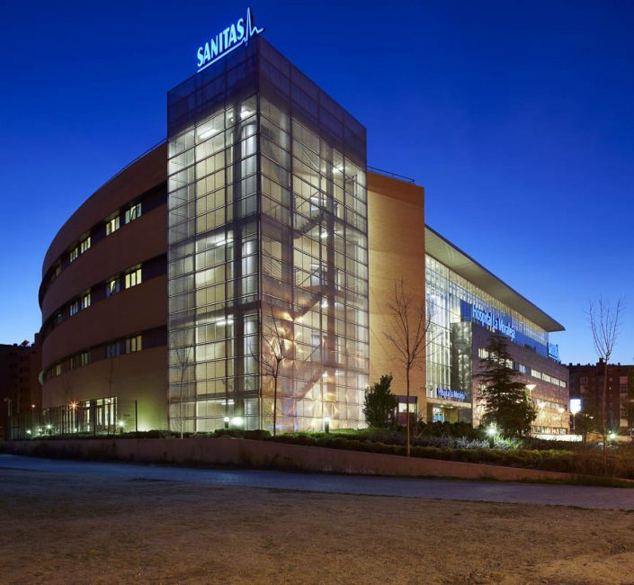Hospital de Sanitaria La Moraleja - Photographe Architecture nuit