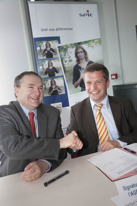 Signature de la convention entre l'AGEFIPH et Spie Sud-Ouest - Photographe corporate