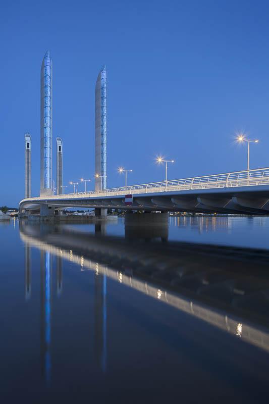 Reportage éclairages ville de Bordeaux, Pont Chaban Delmas - Photographe Architecture nuit